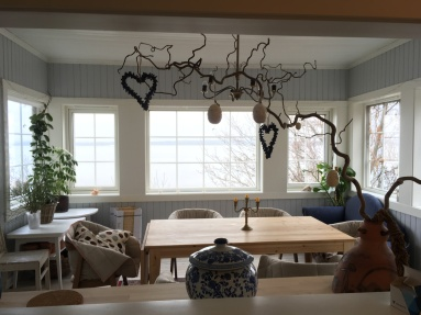 Easter tree and dining room in the morning
