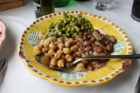 Tri salad: chickpeas, beans, and peas