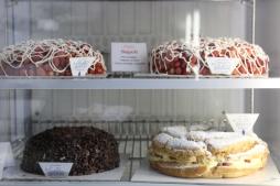 The strawberry cake!?
