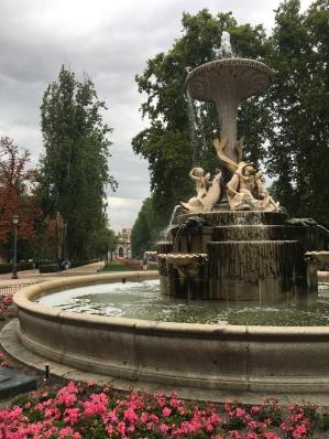 Retiro 4: gorgeous fountains