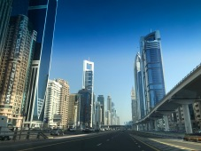 Main thoroughfare: Sheikh Zayed Road